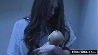 سكس طبيب نسوانجى يستدرج مريضة حيحانة وينيكها فى المستشفى الفيديو ...